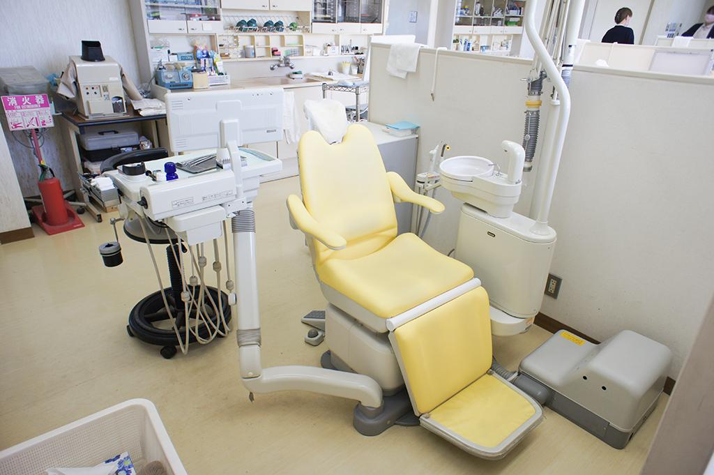 身体に負担の少ない診療台をご用意しておりますので、治療中もリラックスしていただけます。